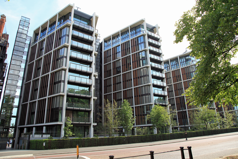 One Hyde Park Is A Major Residential And Retail Complex Located In Knightsbridge London The Development Includes Three Units Rolex