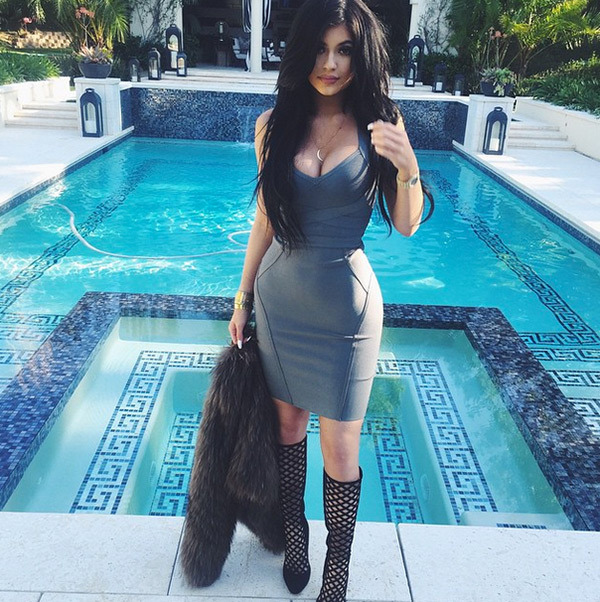 Kylie-Jenner-In-Attractive-Dress