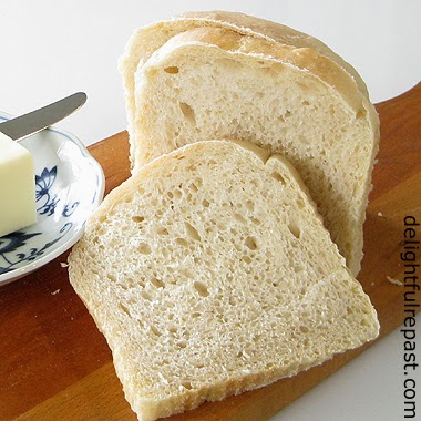 Sourdough Sandwich Bread / www.delightfulrepast.com