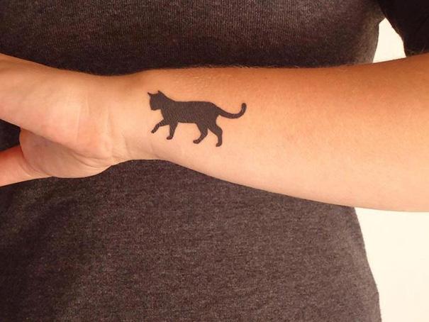minimalistic-cat-tattoo2