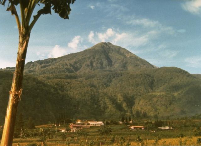 Gunung Lawu, pendakian perdana