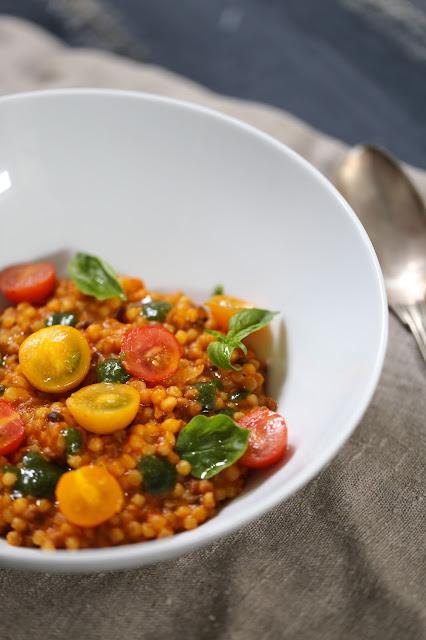 risotto, fregola sarde , tomates , pesto