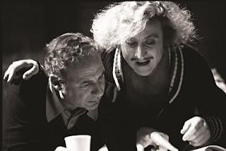 Mel Brooks y Gene Wilder trabjando en el guión de El jovencito Frankenstein