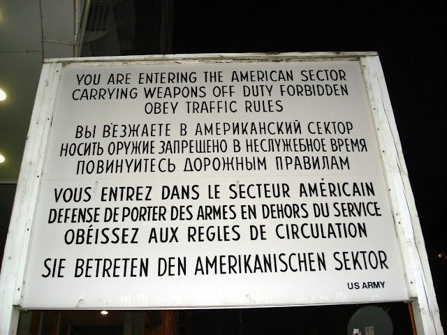 Checkpoint Charlie, Berlim.