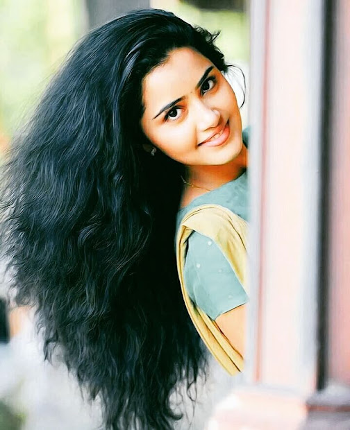 anupama parameswaran beautiful