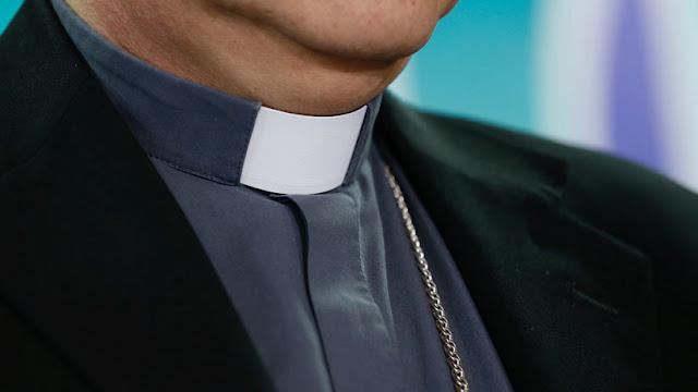 Un obispo que ocultó abusos dirigirá la 'comisión antipederastia' de la Iglesia española