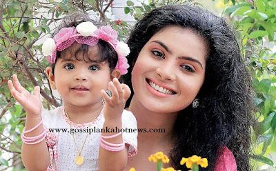 actress Samadhi Arunachaya (Malee) with daughter