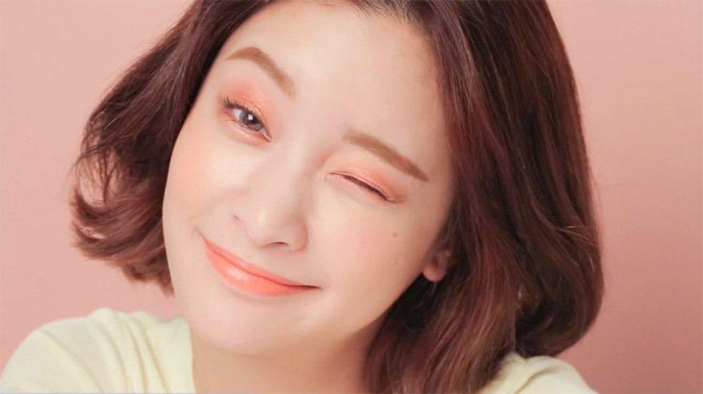 korean-makeup-FEATURE.jpg c3869ec4db