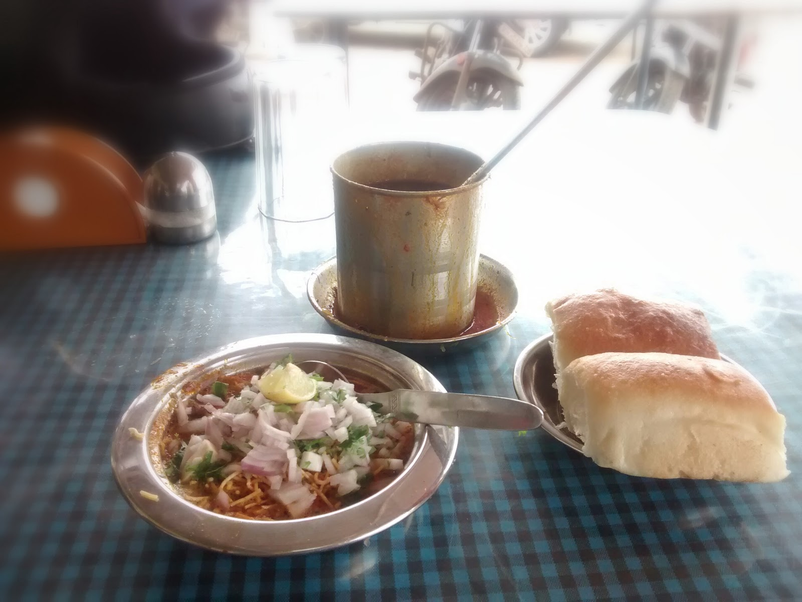 Bike ride from Pune - Ahmednagar - Pune Misal pav