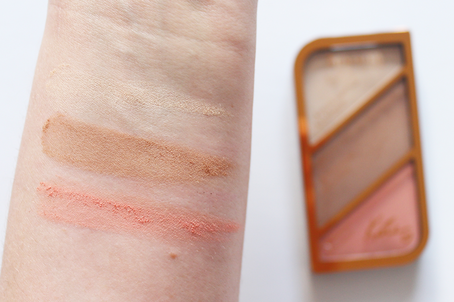 RIMMEL | Kate Sculpting Contour Palette - Review + Swatches - CassandraMyee