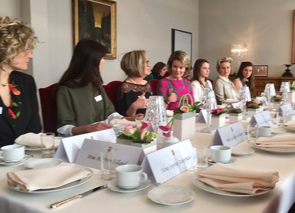 Queen Mathilde met with women from different sectors of Hainaut because of International Day of Women. Queen wore Dries Van Noten Coat and Dress
