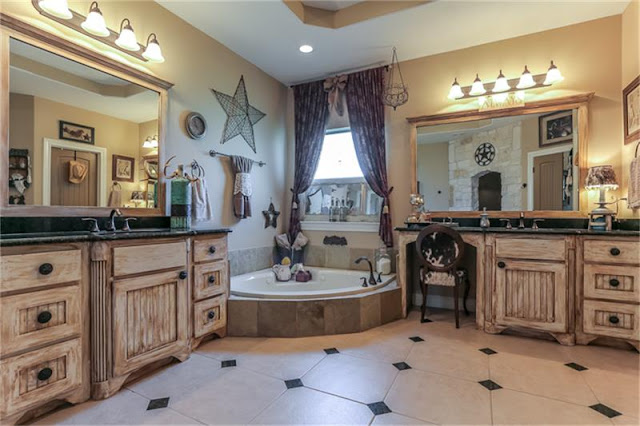 Master Bath-House Hunting-Texas Hill Country House- From My Front Porch To Yours