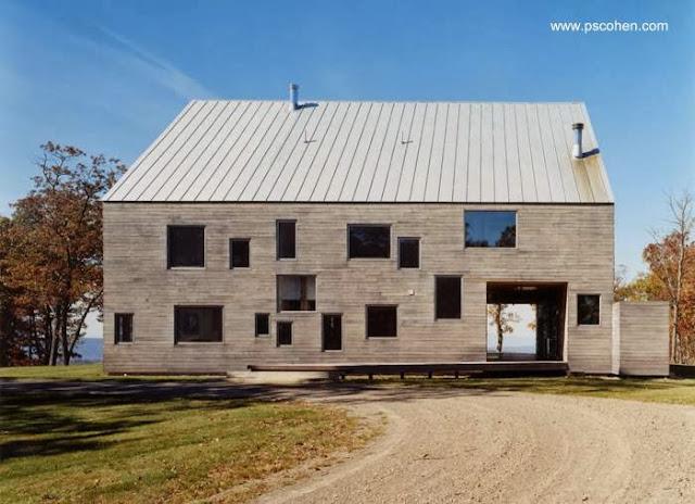 Casa granero en el Estado de Nueva York vista de lado