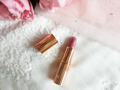 January Favourites 2017 | Liv it Up Lipstick