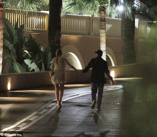 Blake Lively And Leonardo Dicaprio Kissing