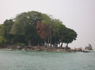 http://www.teluklove.com/2017/04/destinasti-objek-wisata-pulau-damar.html