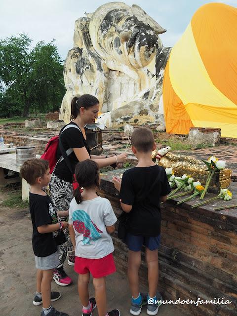 Wat Lokayasutharam (Ayutthaya)