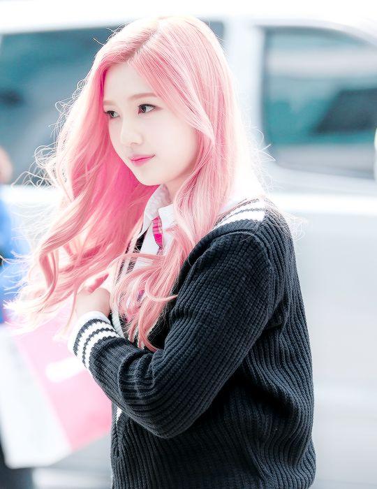 Resultado de imagem para cabelos femininos rosa