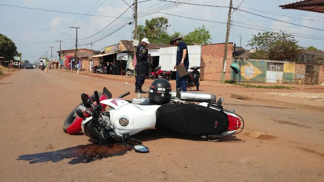 Em decorrência da queda, o motociclista sofreu parada cardíaca e não resistiu
