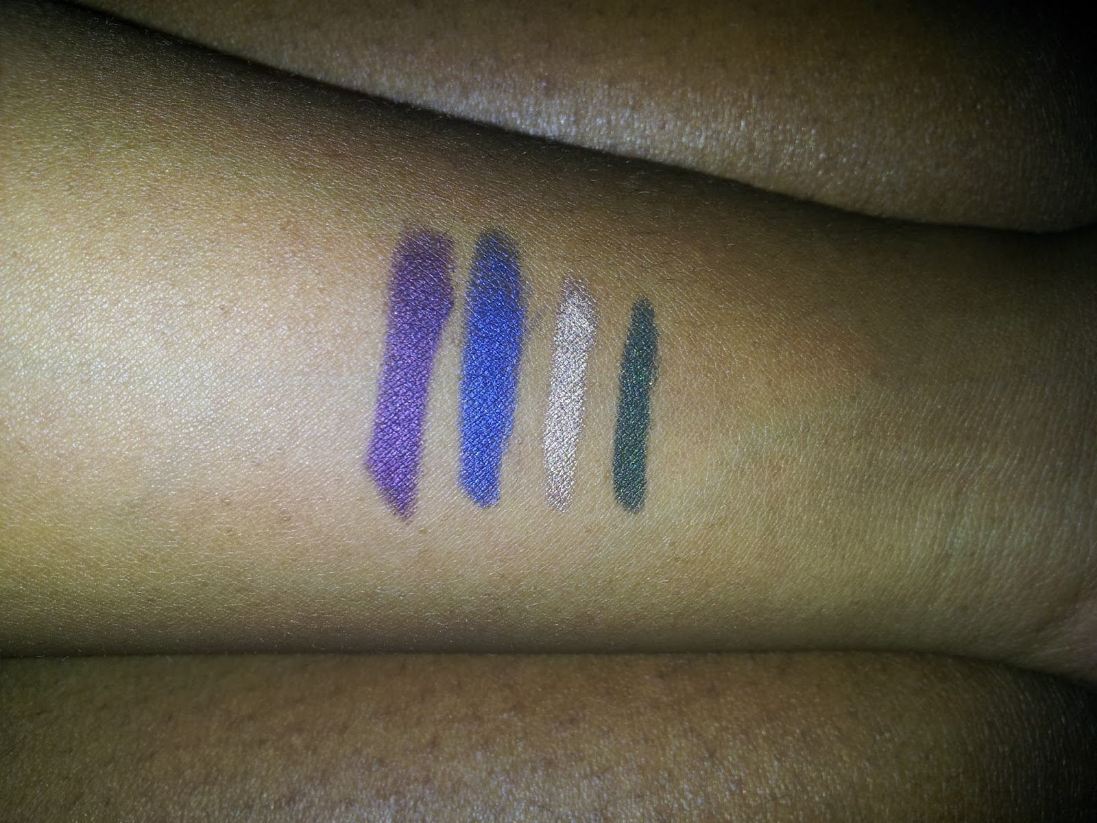 Laura Mercier Caviar Stick Eye Colour swatches - www.modenmakeup.com