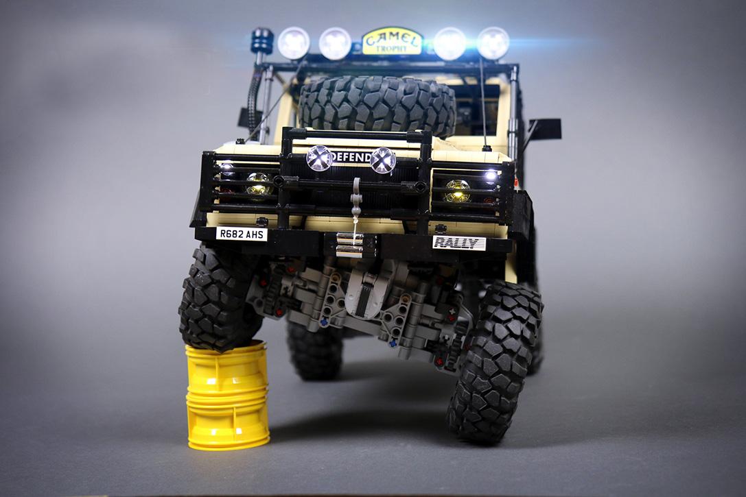LEGO RC Land Rover Defender 90 | TeknOlsun