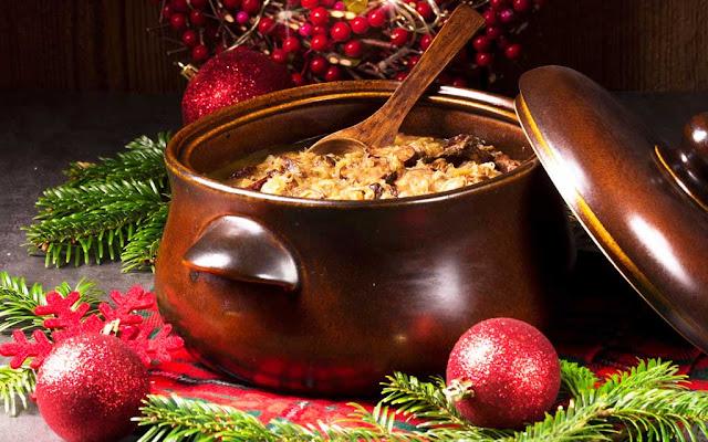 Бигос блюдо из квашеной капусты и рыбы/мяса