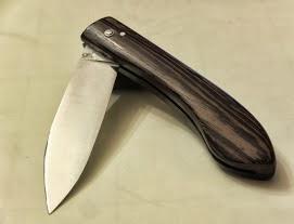 Couteau capucin en wenge