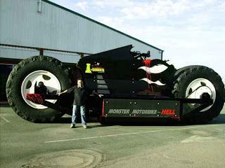 Construcción de moto gigante
