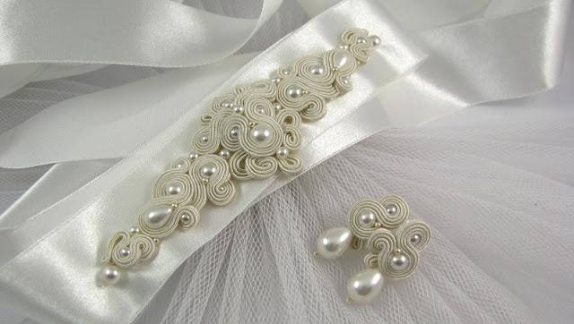 Perłowy pas biżuteryjny na suknię ślubną.