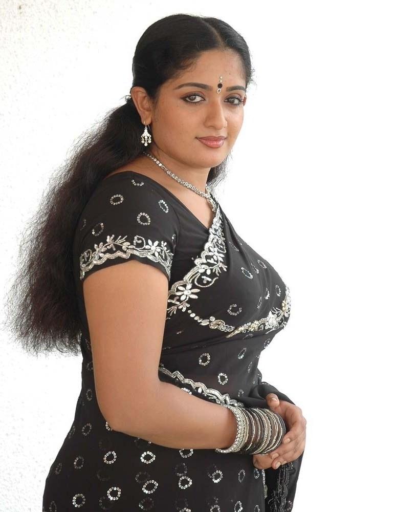 Actress Bhavana Photos: Hot Image & Sexy Video of