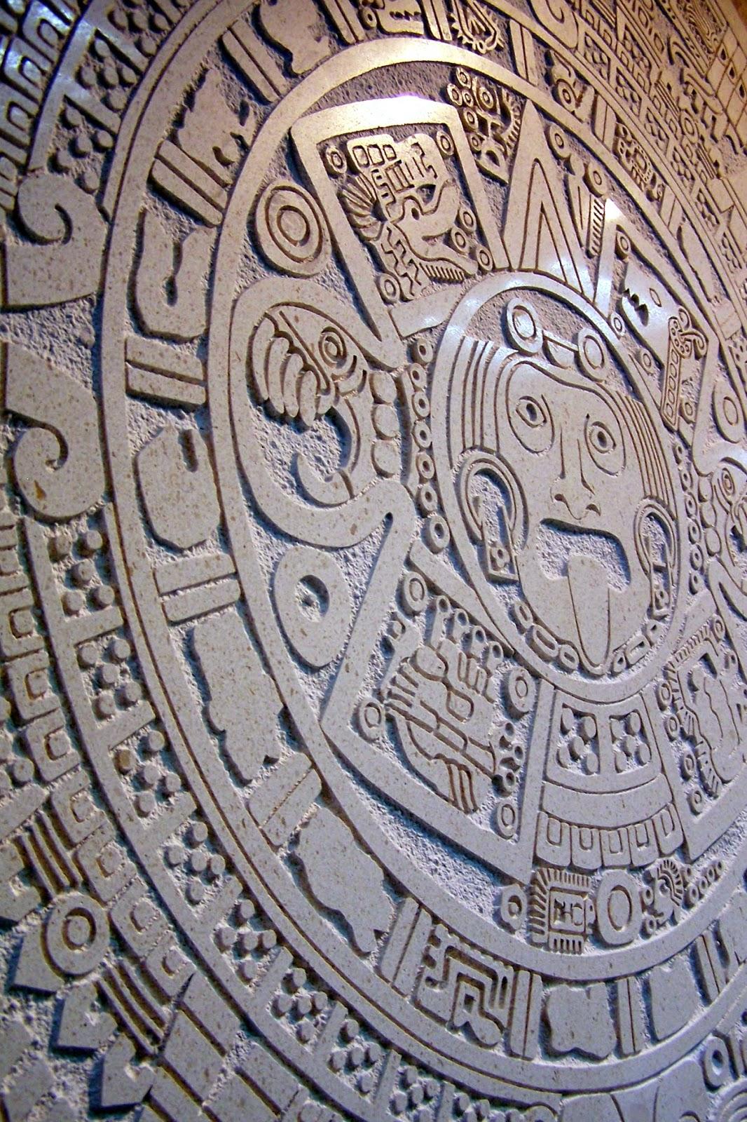 calendario azteca grabado en piedra caliza