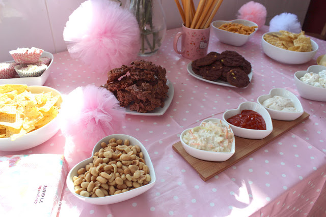 pink birthday decorations, snack table