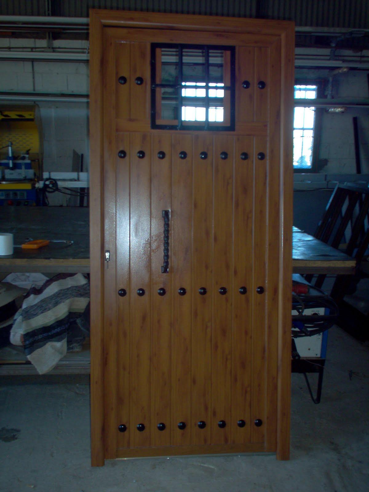 Cerrajeria ramajo puertas de entrada lamas de aluminio - Puertas de entrada madera ...