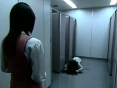 Truyền thuyết thành thị về Toilet trượt té ở Nhật bản