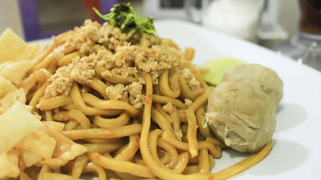 Kuliner Mie Pedas Sudiang Yang Bakal Lelehkan Lidahmu