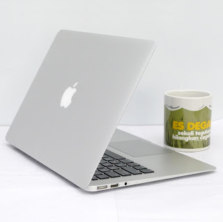MacBook Air Core i5 (13-inch, Mid 2013) Bekas Di Malang
