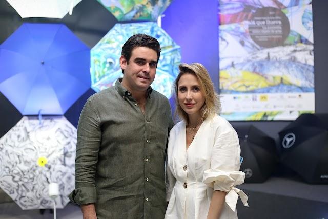 """Bombay Sapphire acompaña a la Fundación Ossaye Casa de Arte en la apertura de la exposición """"Ojalá que llueva"""""""