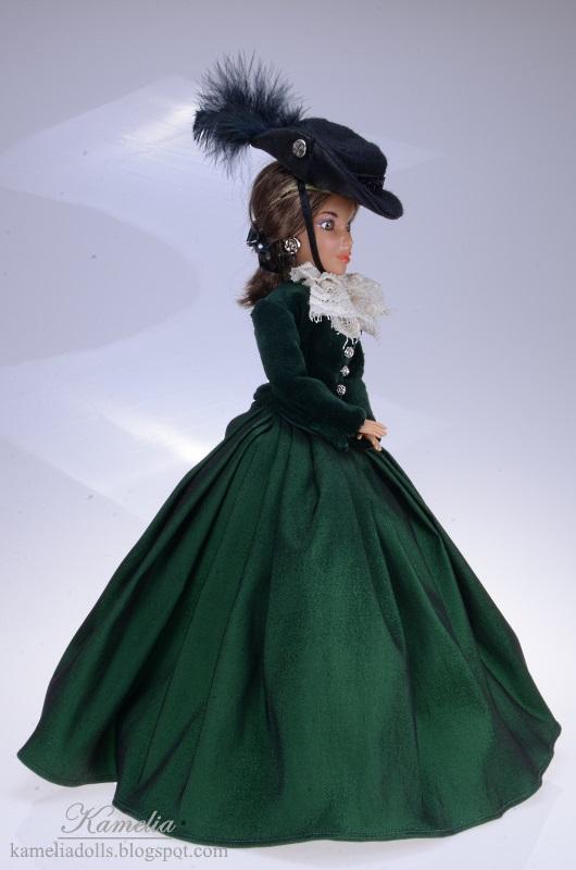 Zielona suknia dla lalki Liv.