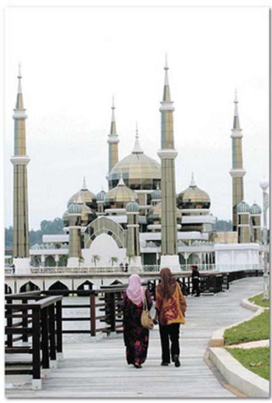 Berjalan ke Masjid Banyak Kelebihannya