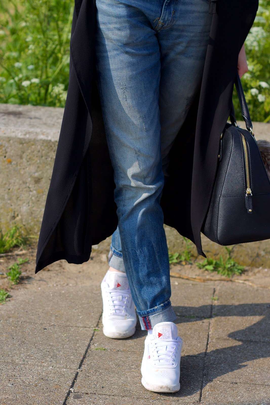 Sneakers x Long Jacket