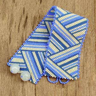 купить Оригинальный женский браслет из бисера. Летний полосатый браслет ручной работы. куплю