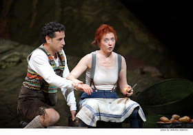 Juan Diego Florez and Patrizia Ciofi in La Fille du Regiment, Covent Garden (C) Catherine Ashmore