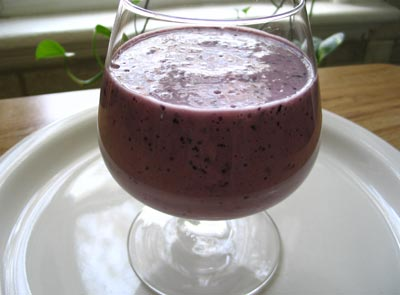 Blueberry and Maple Syrup Oat Smoothie
