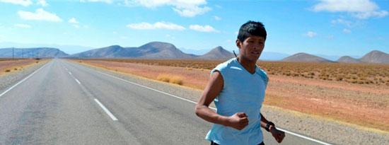 Emanuel, el chico que corre por La Quiaca