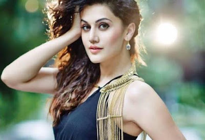 taapsee-to-screen-pink-for-southern-film-industry