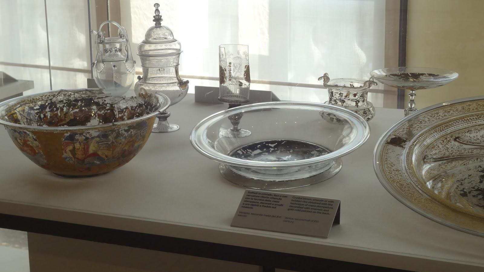 exhibit bowl