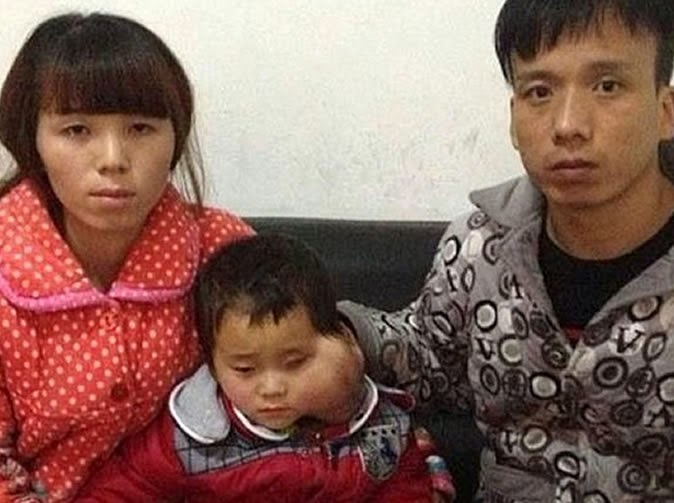 Couple Begs Official To Let Their 4-Year Old Daughter Die