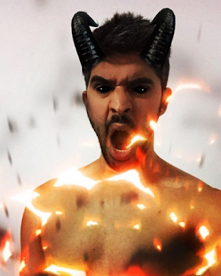 Selfie para instagram utilizando el filtro del diablo, the devil, demonio, demon, baphomet, mefisto, mefistófeles, mephistopheles
