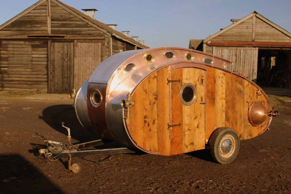 01-Dave-Moult-Tiny-Steampunk-Architecture-with-the-Teardrop-Trailer-www-designstack-co