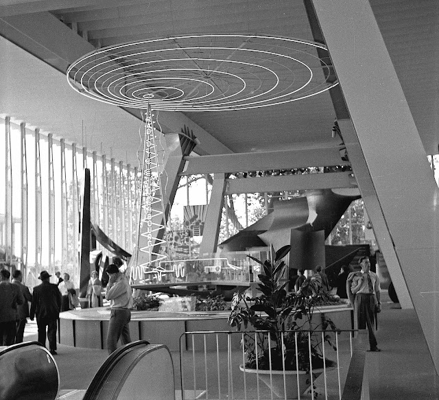 Luxembourg pavilion interior photo 1958 wf